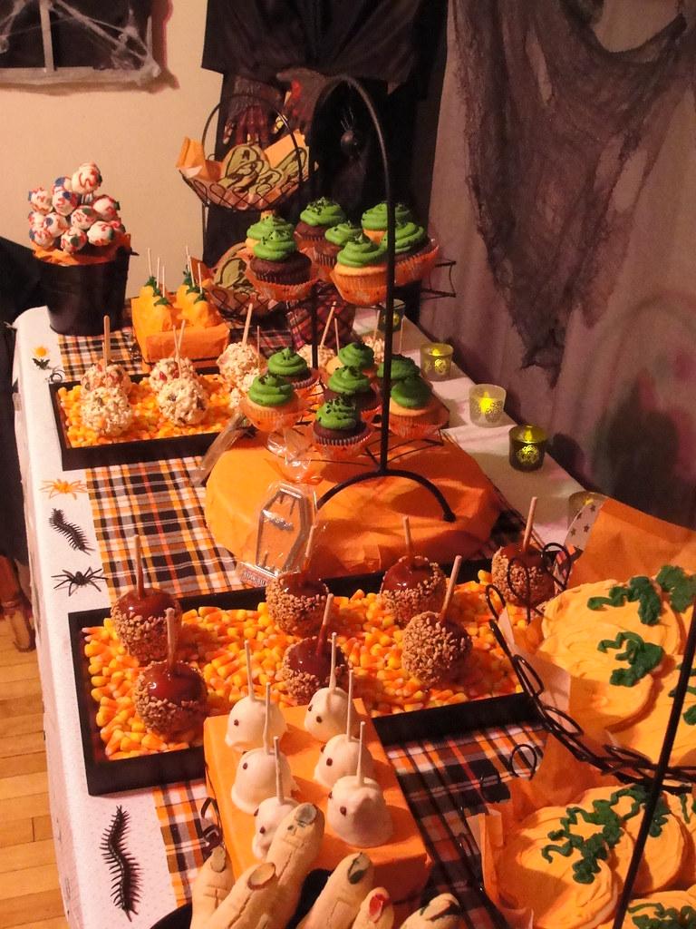 Halloween Dessert Buffet | Jessica Parrott-Robitaille | Flickr