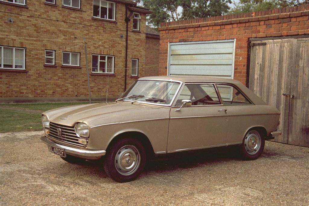Peugeot 204 Coupe RHD 1968