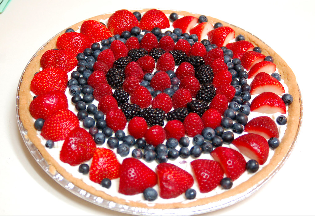 Fruit Pizza for Flag Day ~ Happy Birthday, Dad! | ~EXPLORE ...