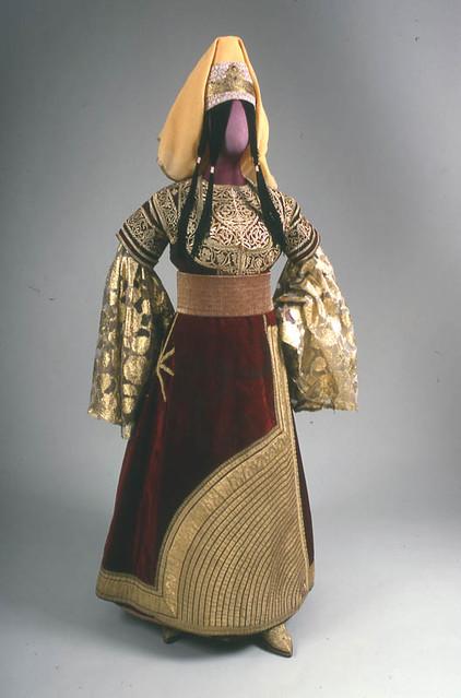 Moroccan wedding dress 19 20th century description for Ancient jewish wedding dress