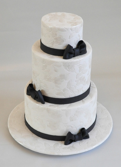 Black And White Wedding Cake This Cake Was Made For A