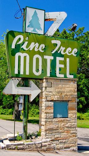 Motel  Rogers Ar