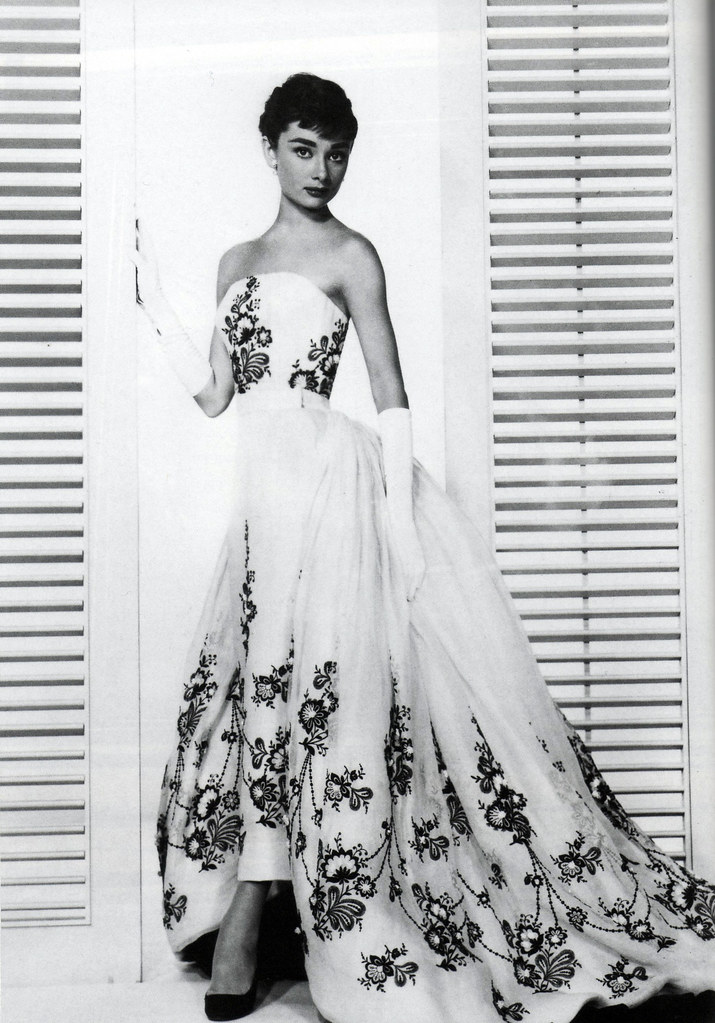 Audrey hepburn in the sabrina dress by givenchy 1953 for Ikea audrey hepburn
