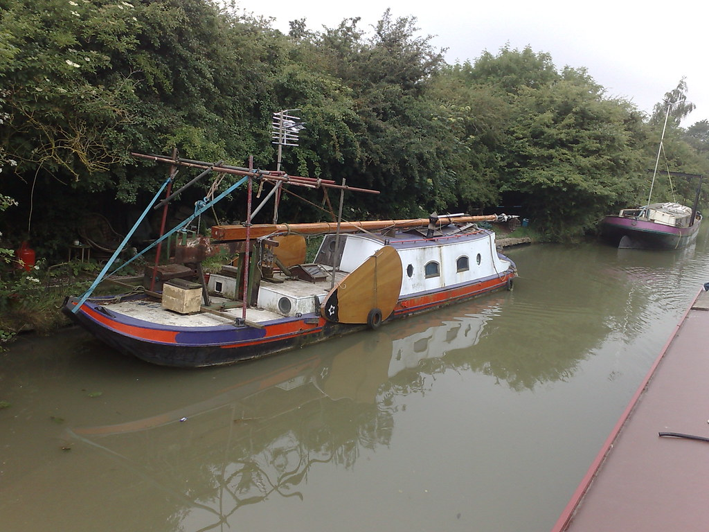 Chitty Bang Boat | Boat on the canal look remarkably like
