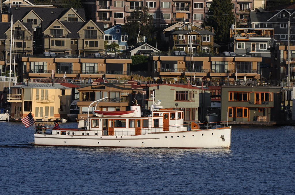Diesel yacht Carmelita on Lake Union