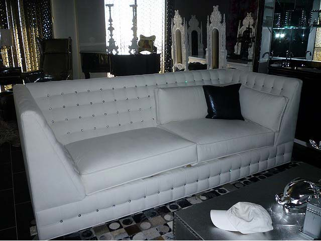 4192 White Velvet Sofa Tufted With Swarovski Crystals Flickr