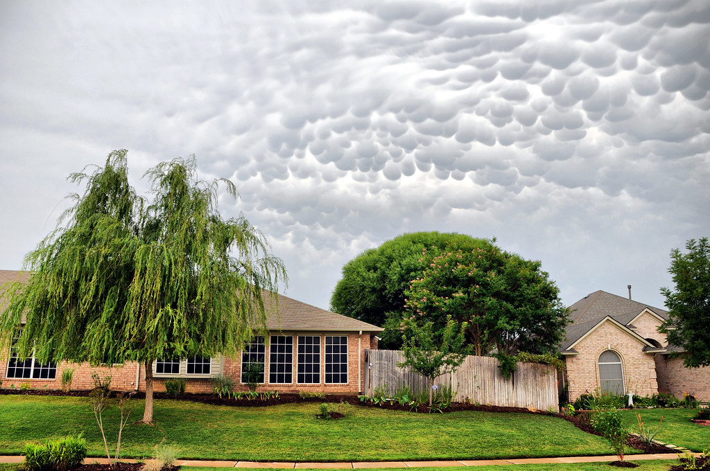 Mammatus Clouds Keller Texas Weeping Willow Tree Sidewalk