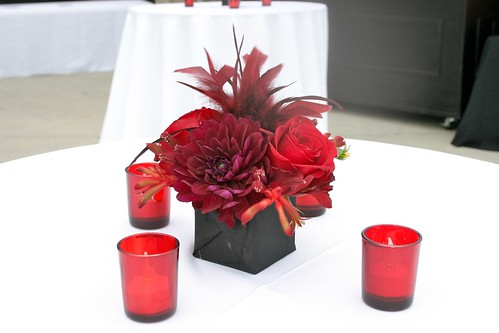 Small Red And Black Centerpiece Centerpiece For Cocktail