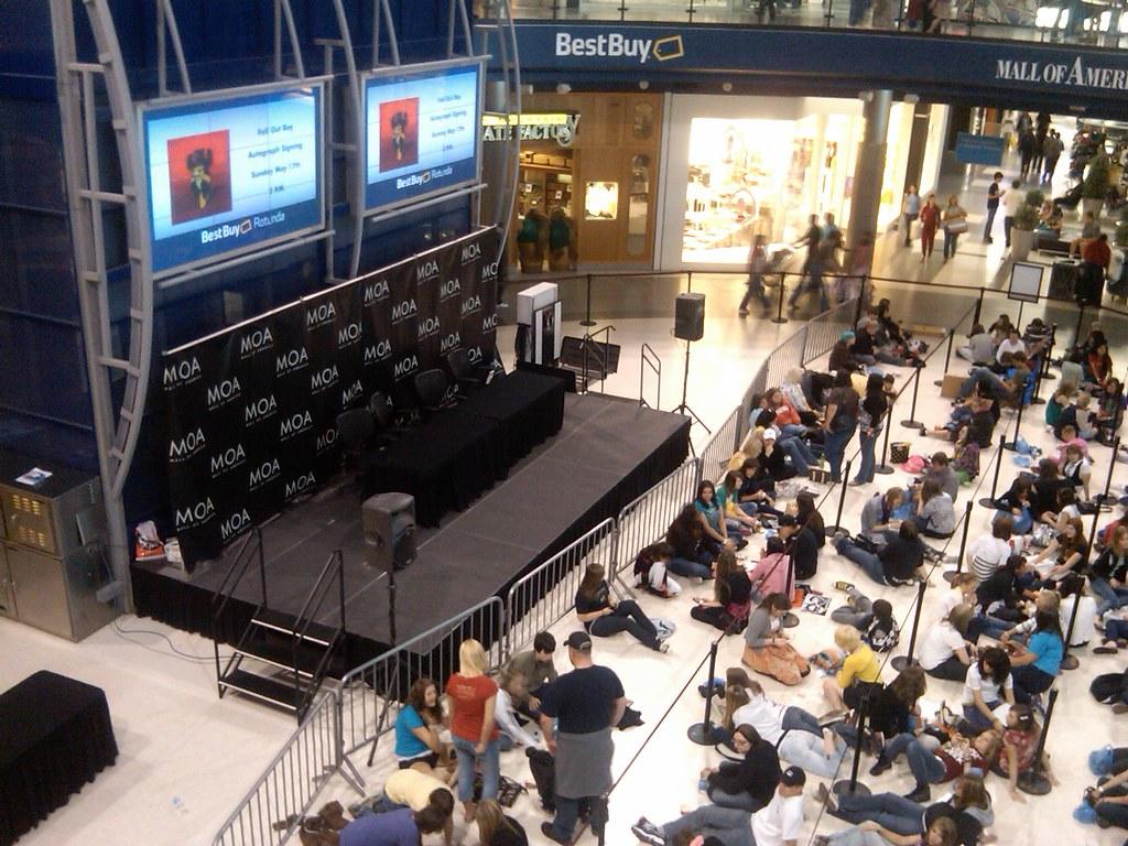 Fob meet n greet mall of americajust the beginning kristina fob meet n greet mall of americajust the beginning kristina flickr m4hsunfo
