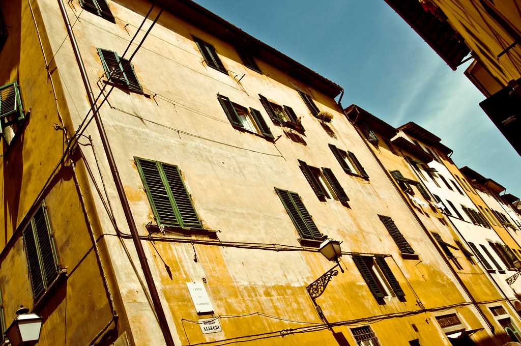 Angled Homes in Florence | Walking in Florence. | Jorge Quinteros ...