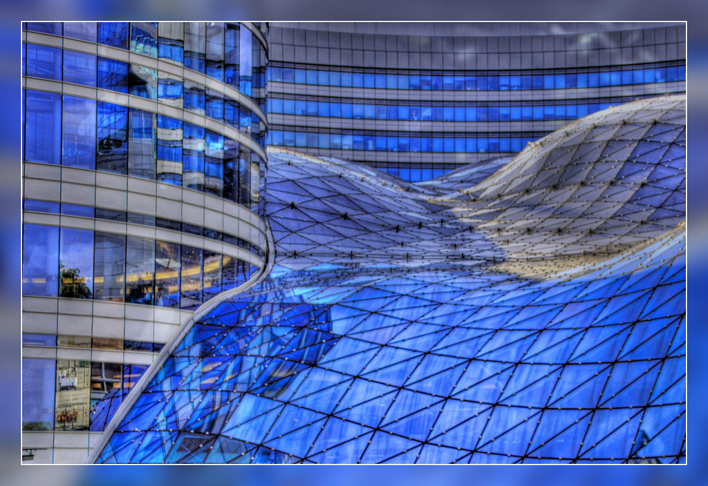 Z Ote Tarasy Shopping Mall In Warsaw Poland Hdr From 3 Ra Flickr