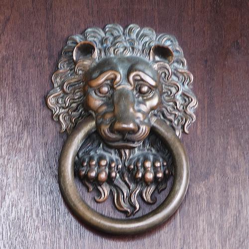 Lion Door Knocker Detail Of The Lion Head Door Knocker