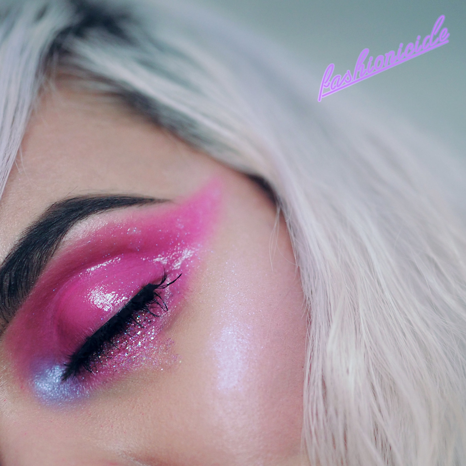 Pink Jelly Glossy Eye Valentines Makeup Look