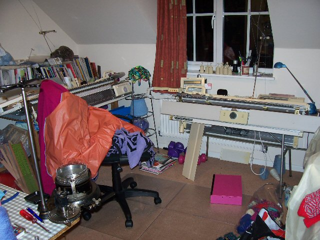 Knitting Room Suomi : Knitting room my yes it s a mess