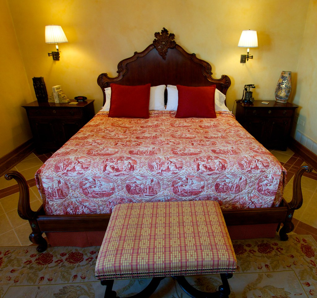 Italian Bed Lynfred Winery 39 S Bed And Breakfast Italian