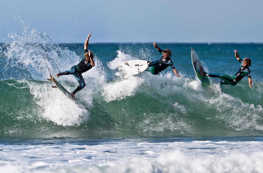 3 surfers