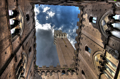 Siena, Torre del Mangia | by GionnyWeb