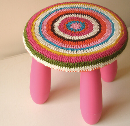 Crocheted stool covers | by svankatwijk