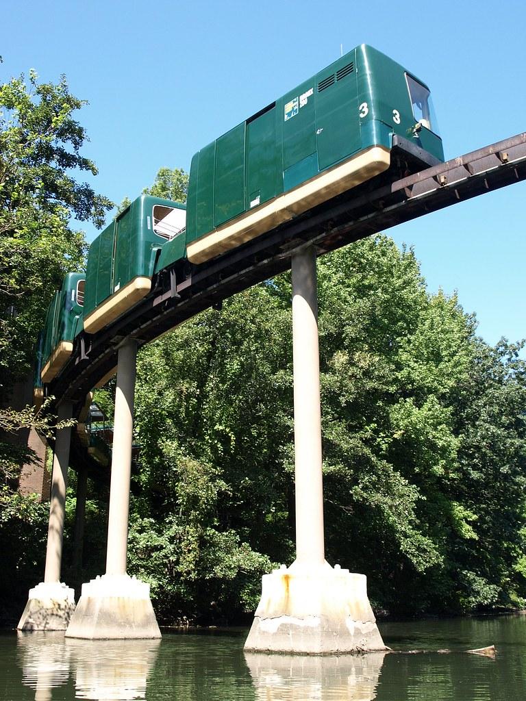 Bronx Zoo Wild Asia Monorail Bridge (south loop) over Bron ...
