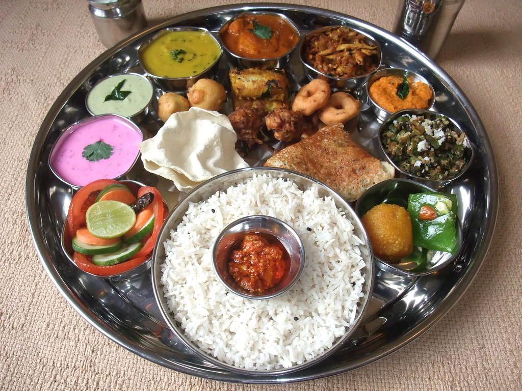Indian food south indian thali 5 south indian thali for Abhiruchi south north indian cuisine