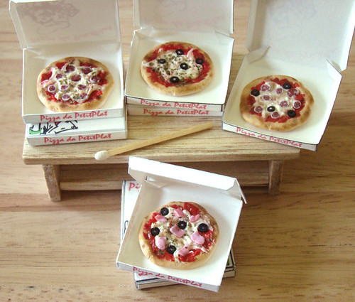 miniature pizza fever everything handmade by me box and t flickr. Black Bedroom Furniture Sets. Home Design Ideas