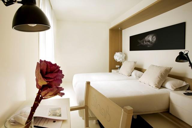 Hotel Denit Barcelona Economy Plus Room Combining Comfor Flickr