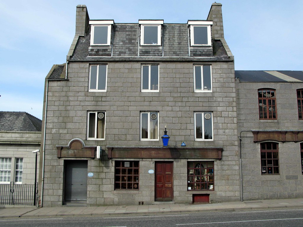 the blue lamp aberdeen pub 30 july 2009 torrybattery. Black Bedroom Furniture Sets. Home Design Ideas