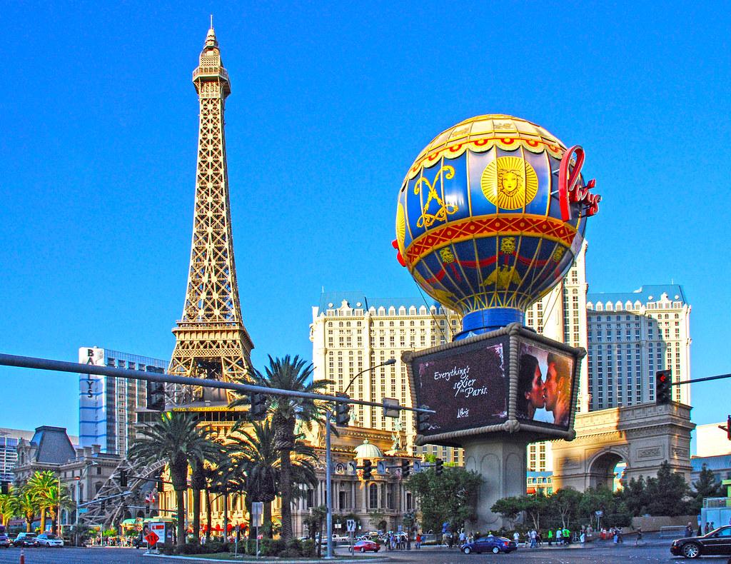 Paris - Las Vegas NV. Hot air balloon called \'Aerostat Rev…   Flickr