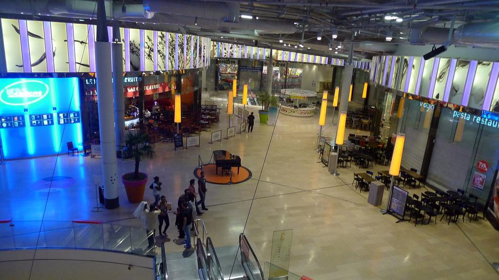 Centre commercial les quatre temps quartier la d fense f flickr - La defense les quatre temps ...