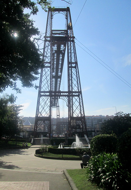 Vizcaya Bridge, Getxo, End-on