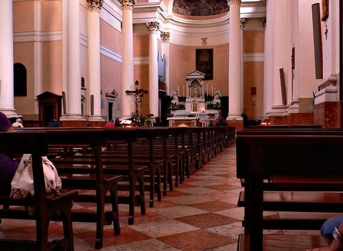 san bonifacio vr interno del duomo la chiesa