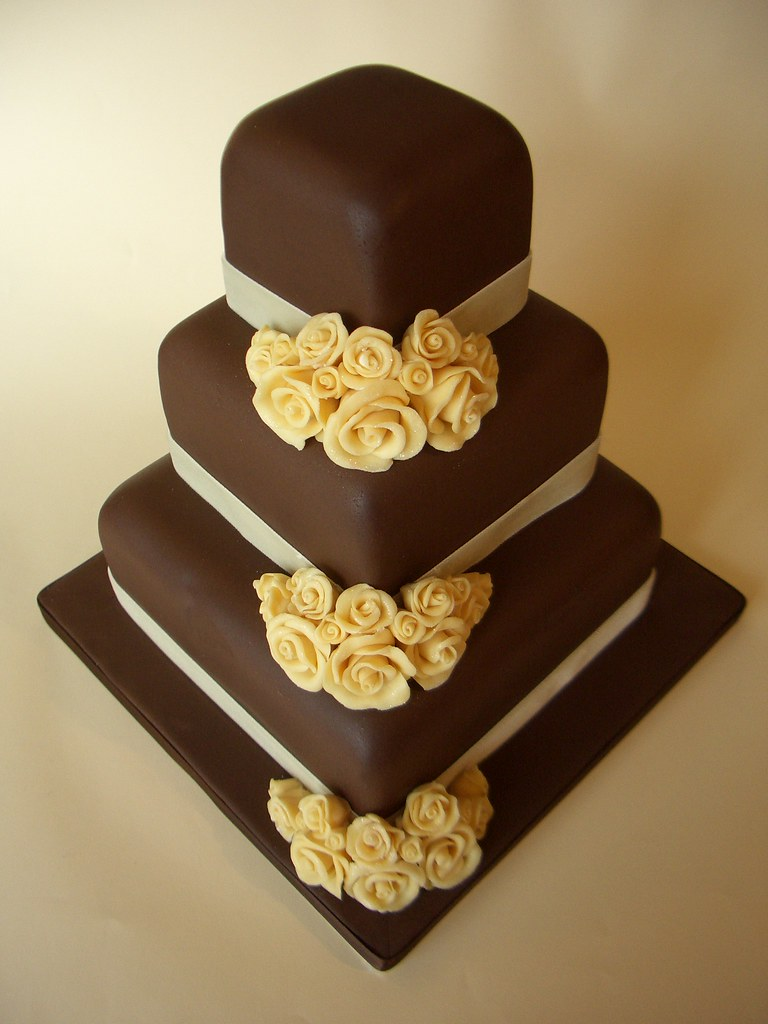 white chocolate wedding cake decorations chocolate wedding cake with white choclate made flowe 27267