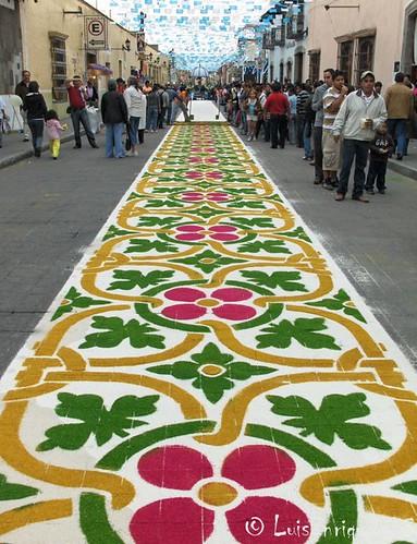 Tapete blanco y flores en huamantla tlaxcala m xico Alfombras persas en mexico