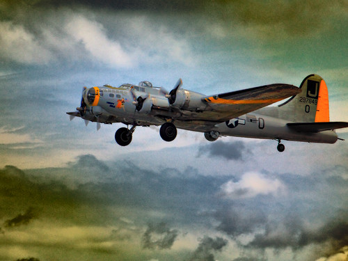 "B-17 'Flying Fortress' ""Liberty Bell"" 