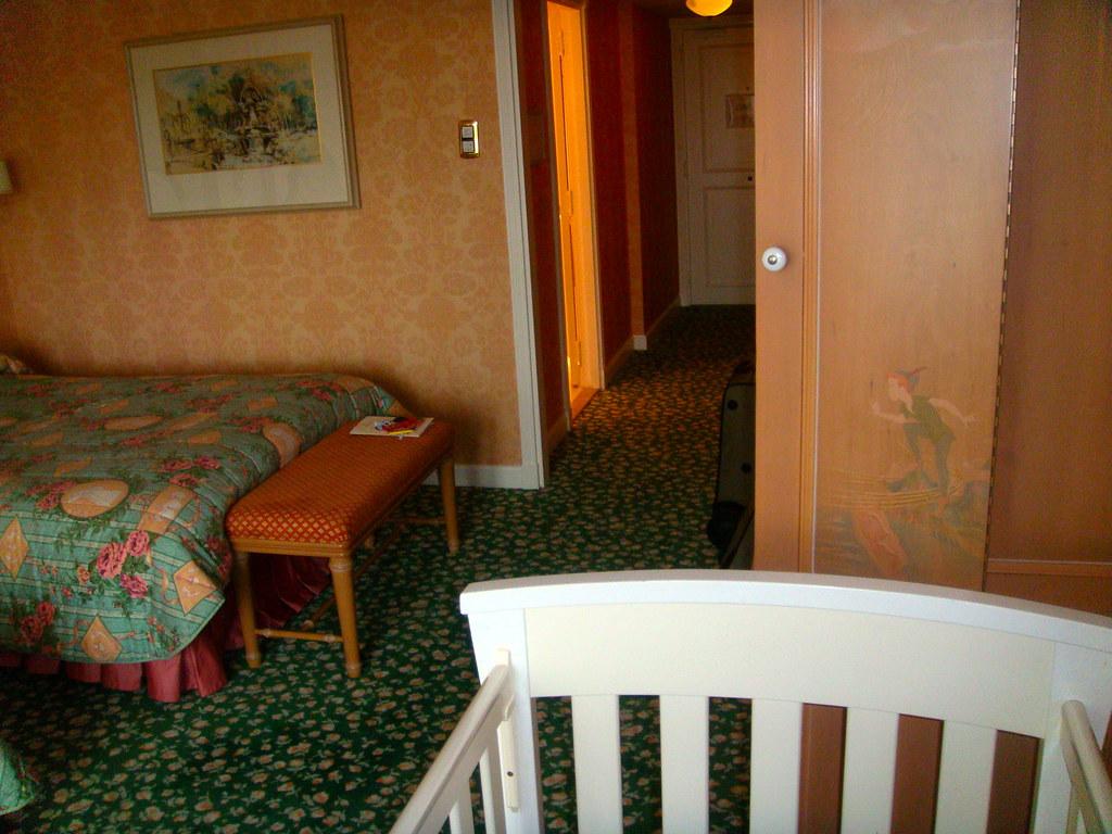 Hotel disneyland paris vista general de la habitaci n for Habitacion familiar disneyland paris