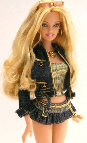 Hip Guess Jeans Barbie In Gold  Barbie, Fashion Fever -4576