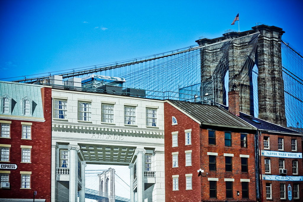 Mural and the brooklyn bridge abbyladybug flickr for Brooklyn bridge mural