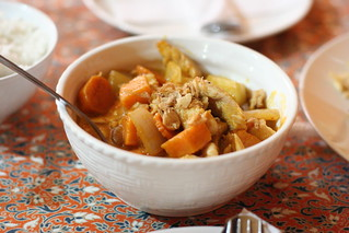 Indian/Thai curry with chicken and potatoes | by Geoff Peters 604