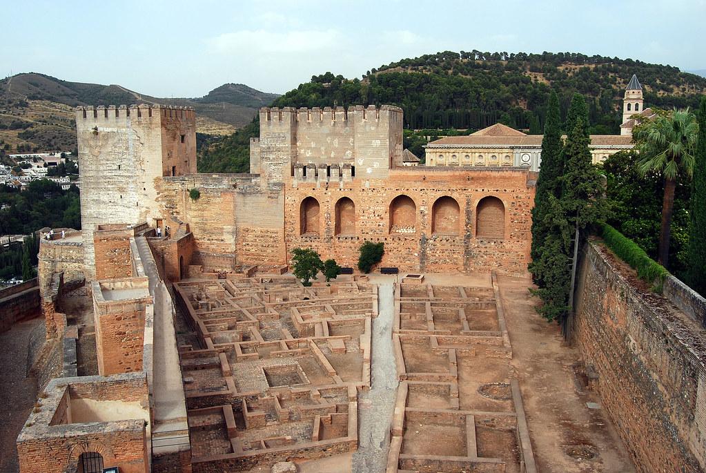 Alcazar de la alhambra de granada espa a la alhambra for La casa de granada en madrid