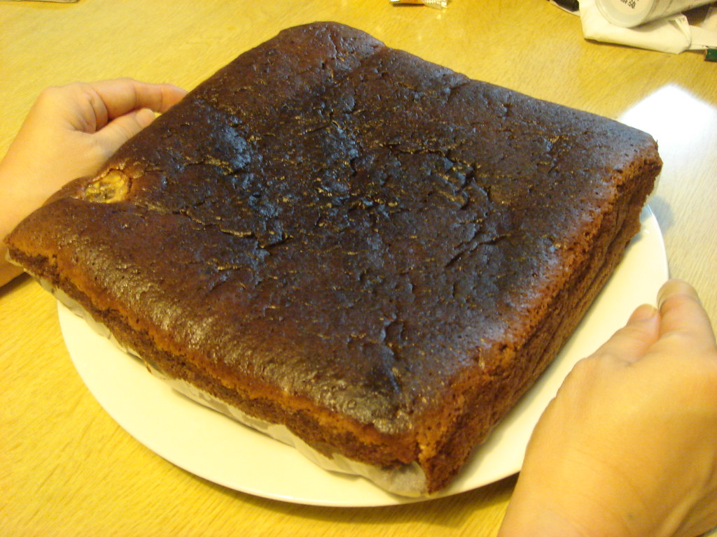 Chocolate Cake with Banana/Walnut | ありゃま 飾りのバナナが全部沈んでもうた ...
