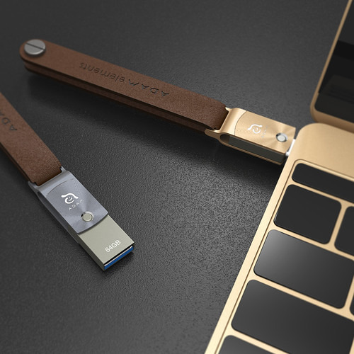 ADAM ELEMENTS Roma USB C to USB 3.0 OTG 64GB Flash Drive Lifestyle Shot