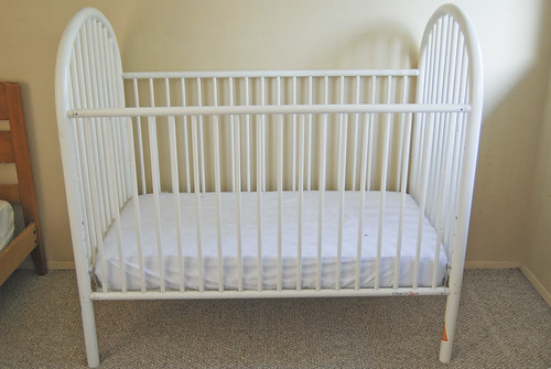 White Metal Crib Toddler Bed