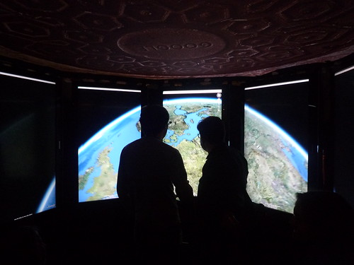 Google Holodeck: Google Earth on eight screens | by dullhunk