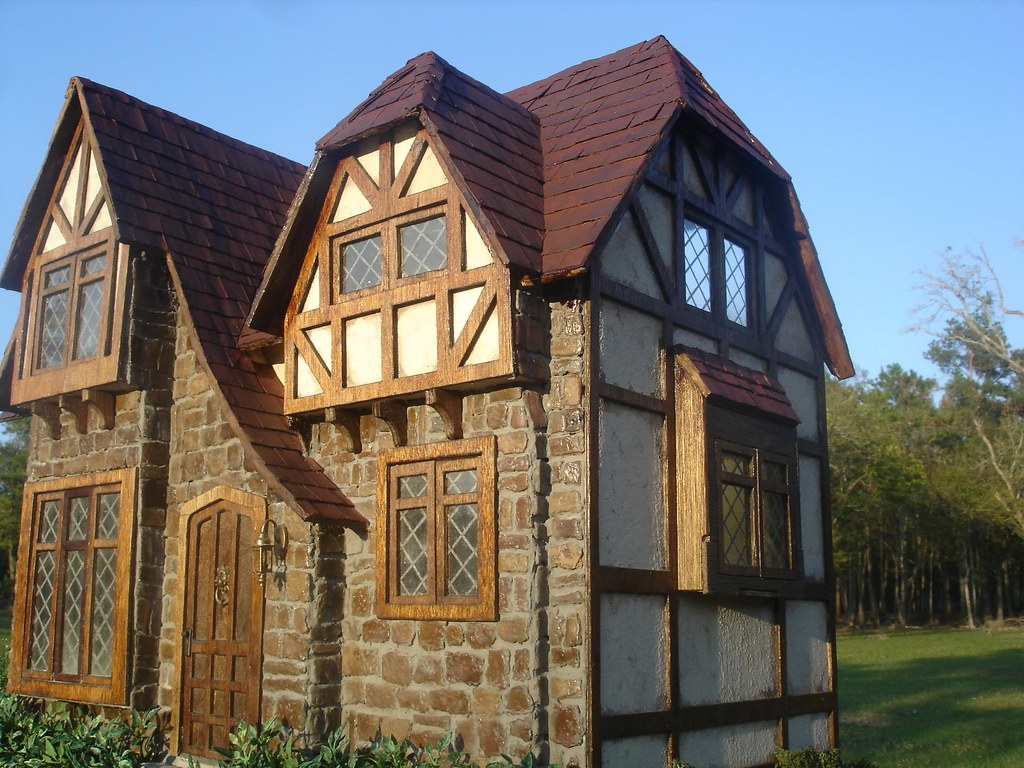 Glencroft dollhouse | angieaug | Flickr