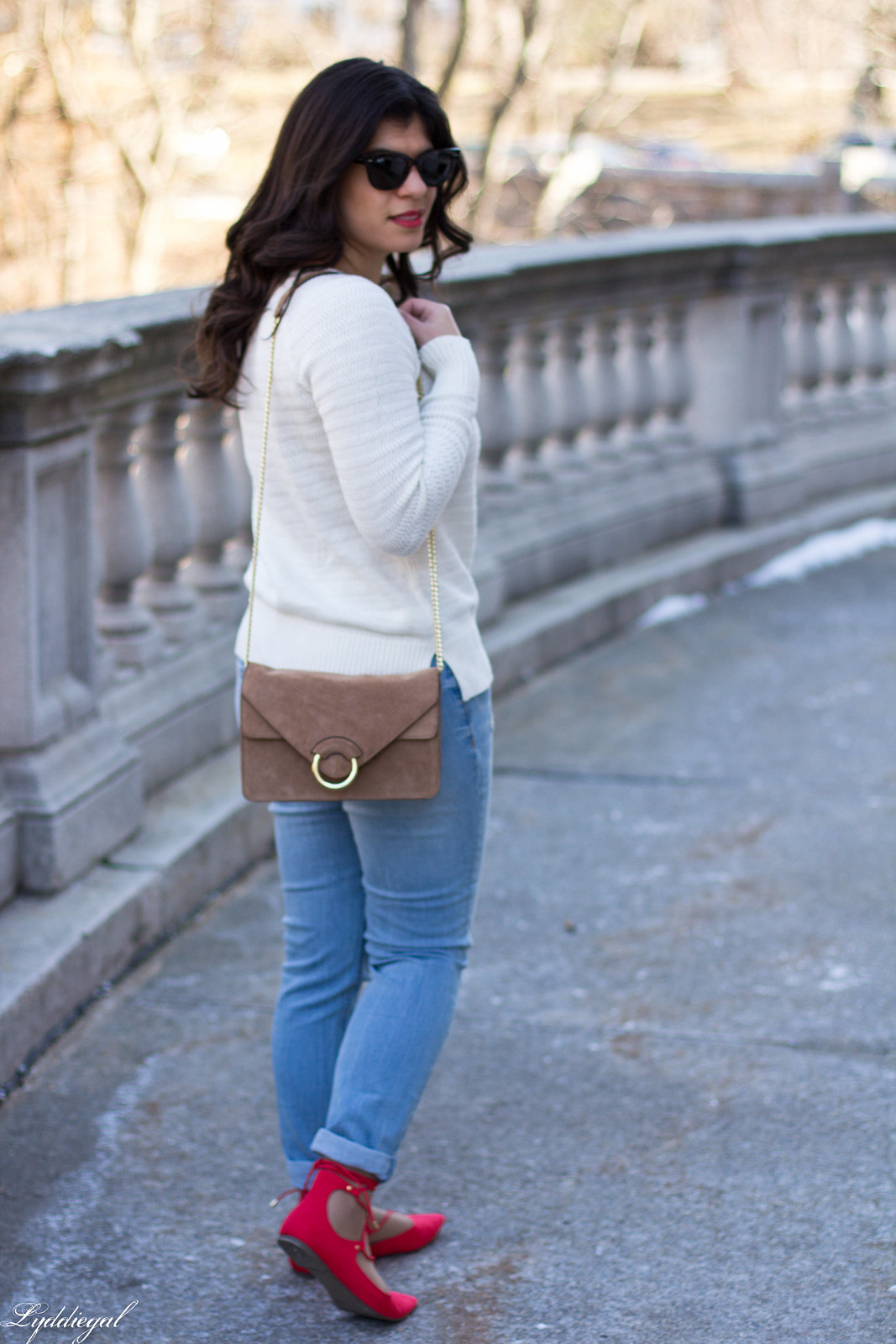 white sweater, distressed denim, laceup  flats-9.jpg