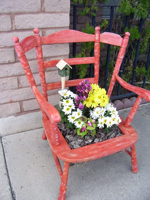 Orange birdhouse chair donating this to the agr fall festi flickr - Chaise de jardin solide ...