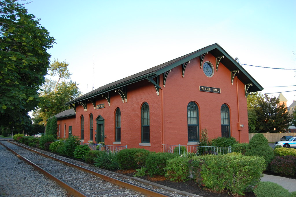 Sale of former Seneca Falls village hall in jeopardy