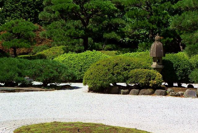 Zen meditation garden portland japanese garden flickr for Japanese garden meditation