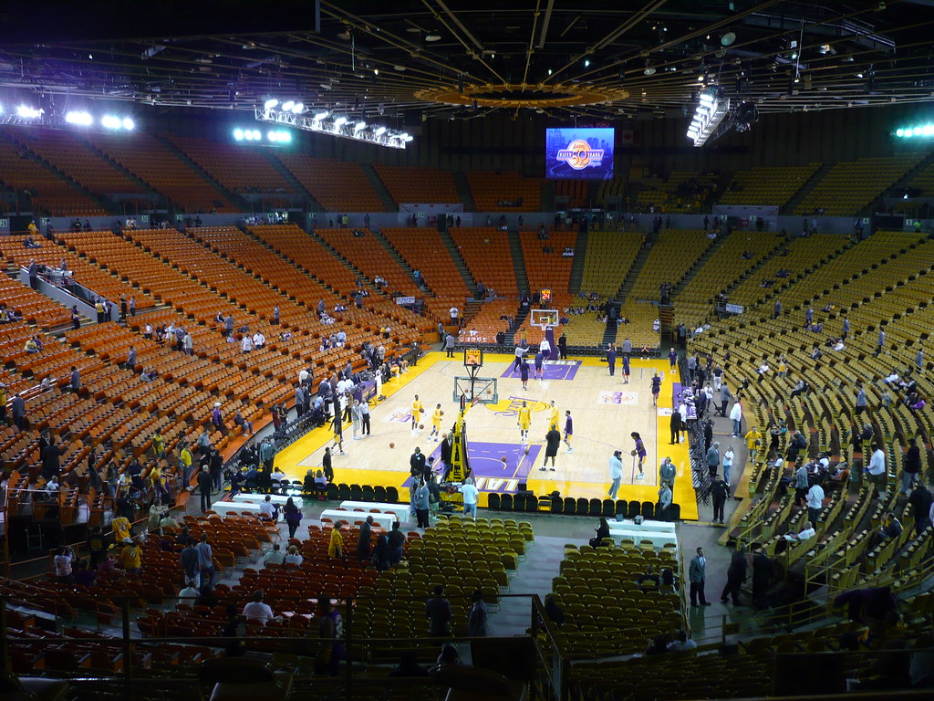 La Lakers Forum