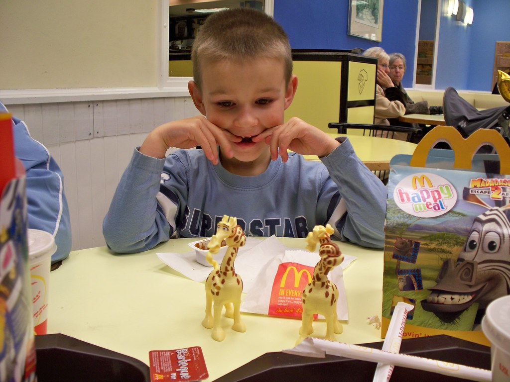 Mesmerizing Giraffes Thomas Is Amazed By The Happy Meal
